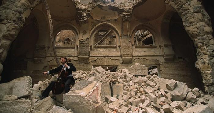 cellist-of-sarajevo-e1369539653630